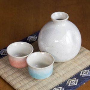 Kutani Ware Sake Set Silver